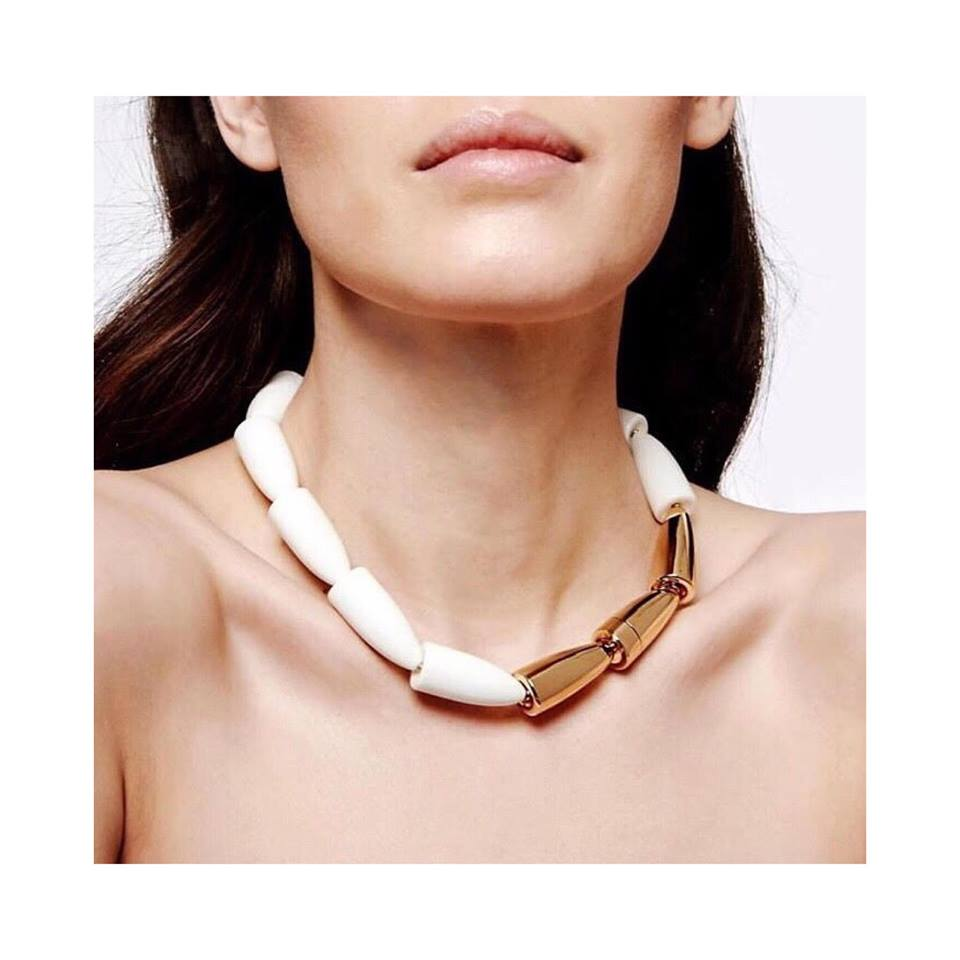 Vhernier necklace on El Paseo in Palm Desert, California