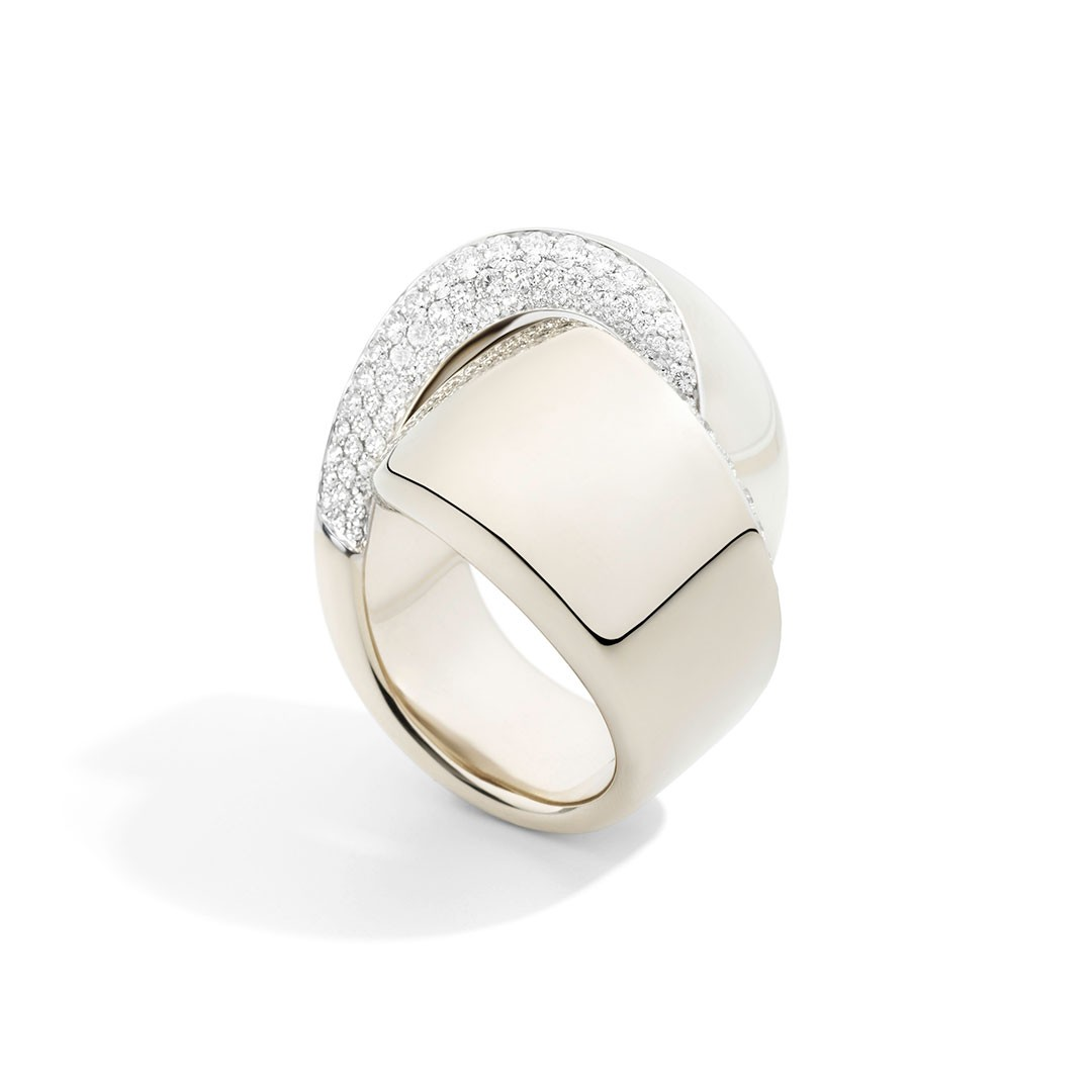 White gold ring in Palm Desert on El Paseo by Vhernier