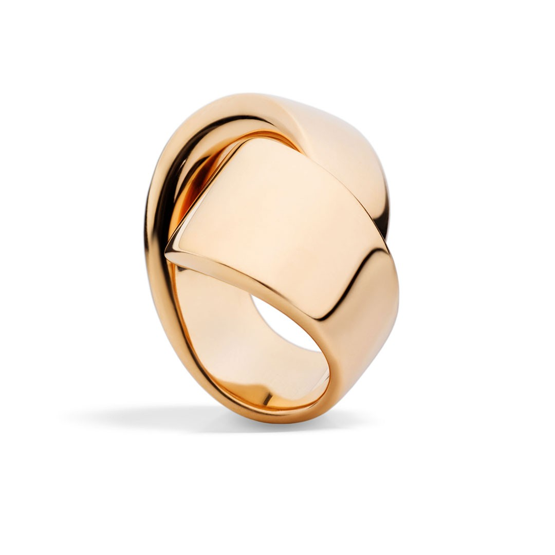 Rose gold ring in Palm Desert on El Paseo by Vhernier